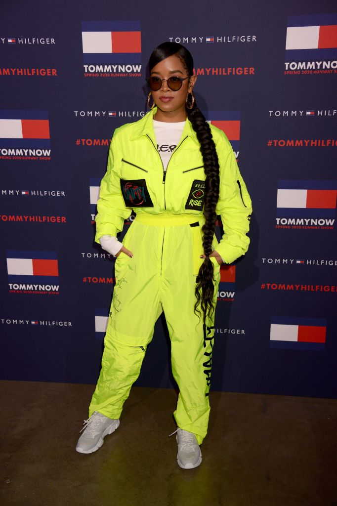 H.E.R. in Tommy Hilfiger