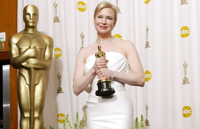 Photos: Renee Zellweger's Oscars Red Carpet Style
