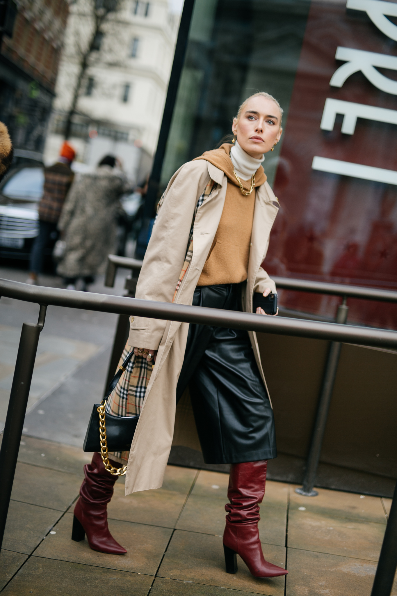 Street style at London Fashion Week fall 2020