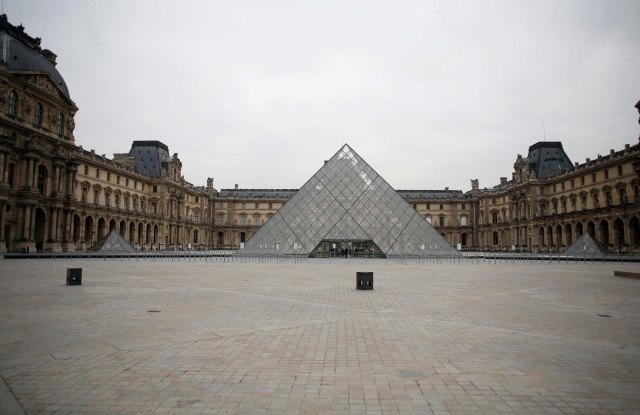 empty courtyard Louvre Museum Paris