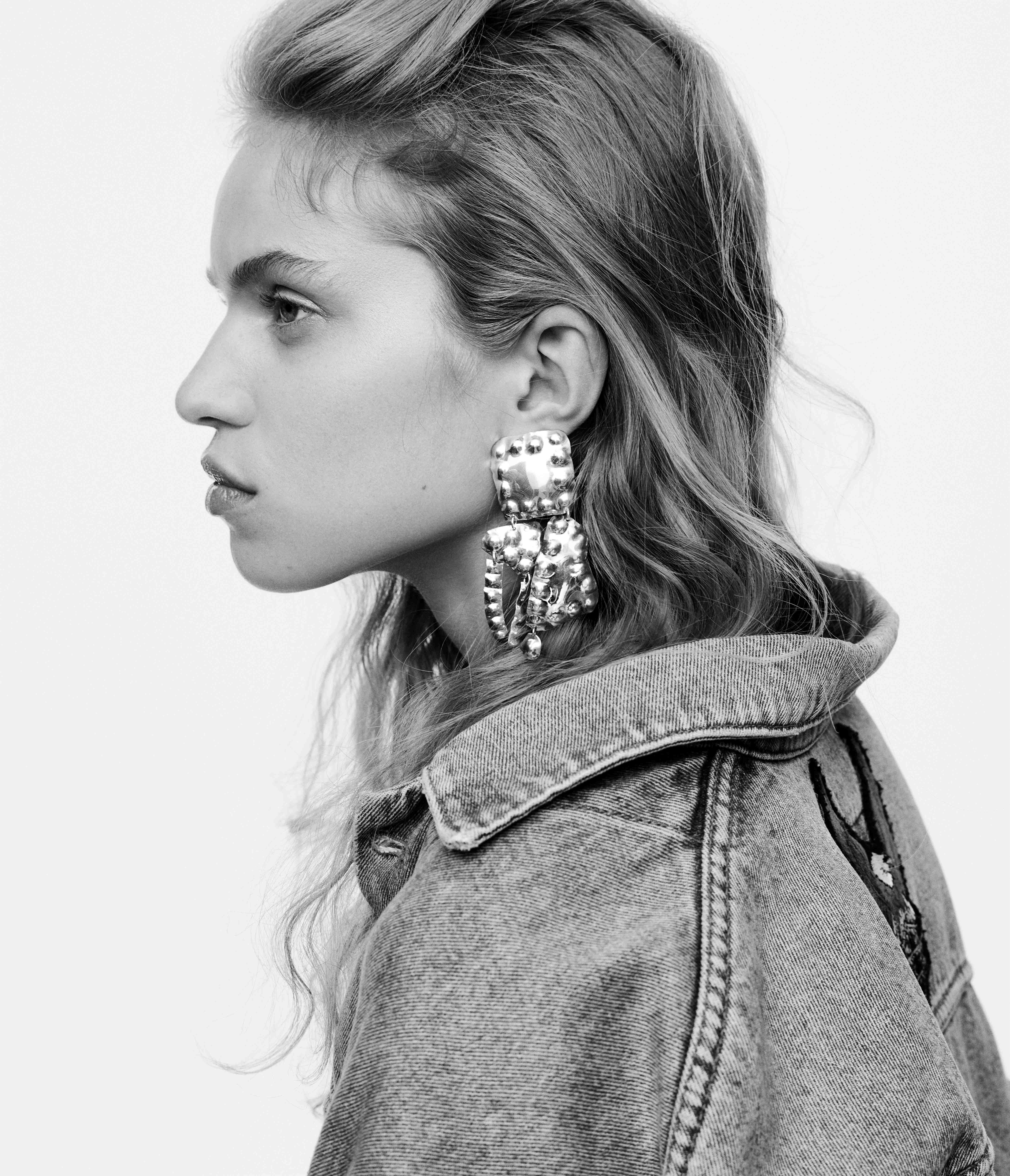 Jo Riis-Hansen's silver jewelry.