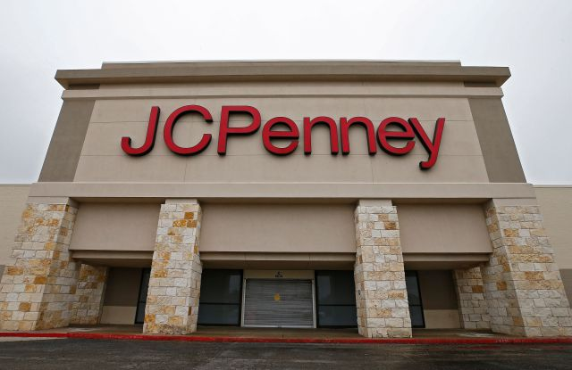 A sign on a JCPenny's store as multiple counties are starting a mandatory shelter in place causing more empty shelves of products and stores to close in Greenville, Texas, USA, 23 March 2020. To date, Texas recorded 806 COVID-19 coronavirus cases, with nine deaths.Multiple counties starting a mandatory shelter in place., Greenville, USA - 23 Mar 2020