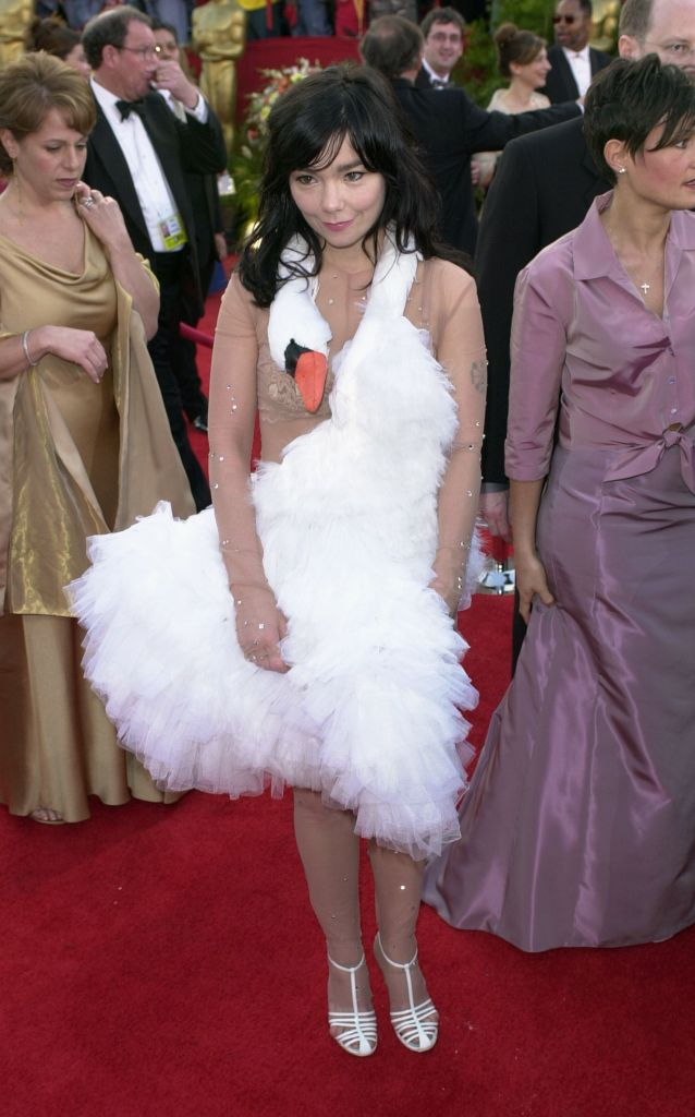 """Bjork Singer Bjork, wearing a Marjan Pejoski swan gown, arrives at the 73rd annual Academy Awards, in Los Angeles. Bjork is nominated for best song for """"I've Seen it All"""" from the film """"Dancer in the Dark2001 Academy Awards, Los Angeles, USA"""