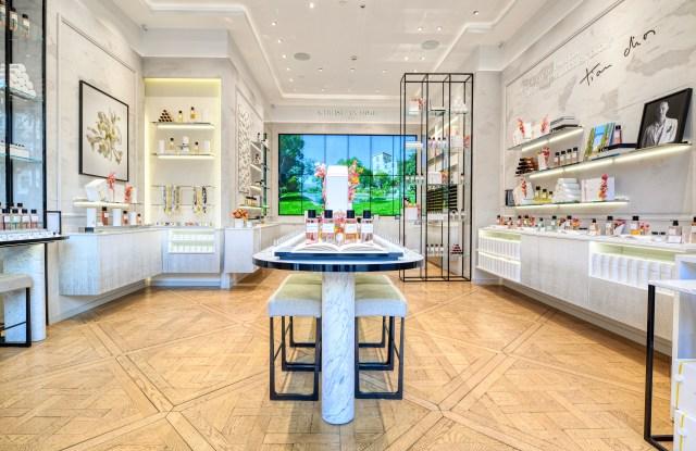 Dior's 3D virtual beauty boutique
