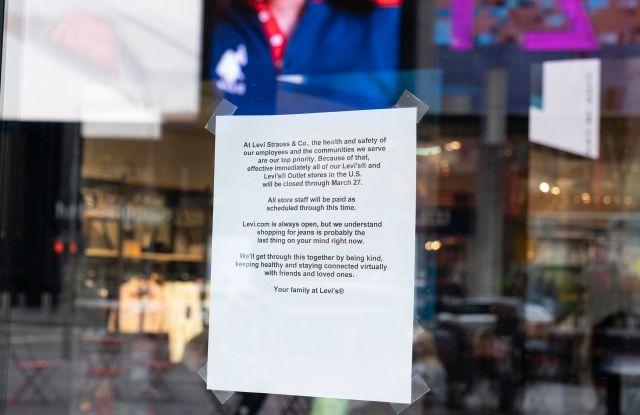 Levi Strauss store time's square notice coronavirus