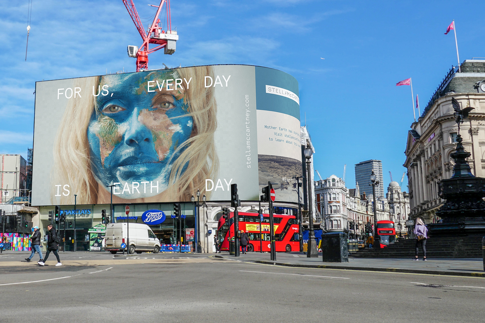 For Earth Day 2020, Stella McCartney took over the major screens in London's Piccadilly Circus. For the project, she upcycled her spring 2020 campaign featuring Amber Valletta as Mother Earth.