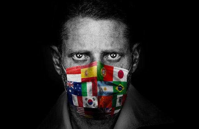 """Lapo Elkann in the """"Never Give Up"""" charity campaign"""