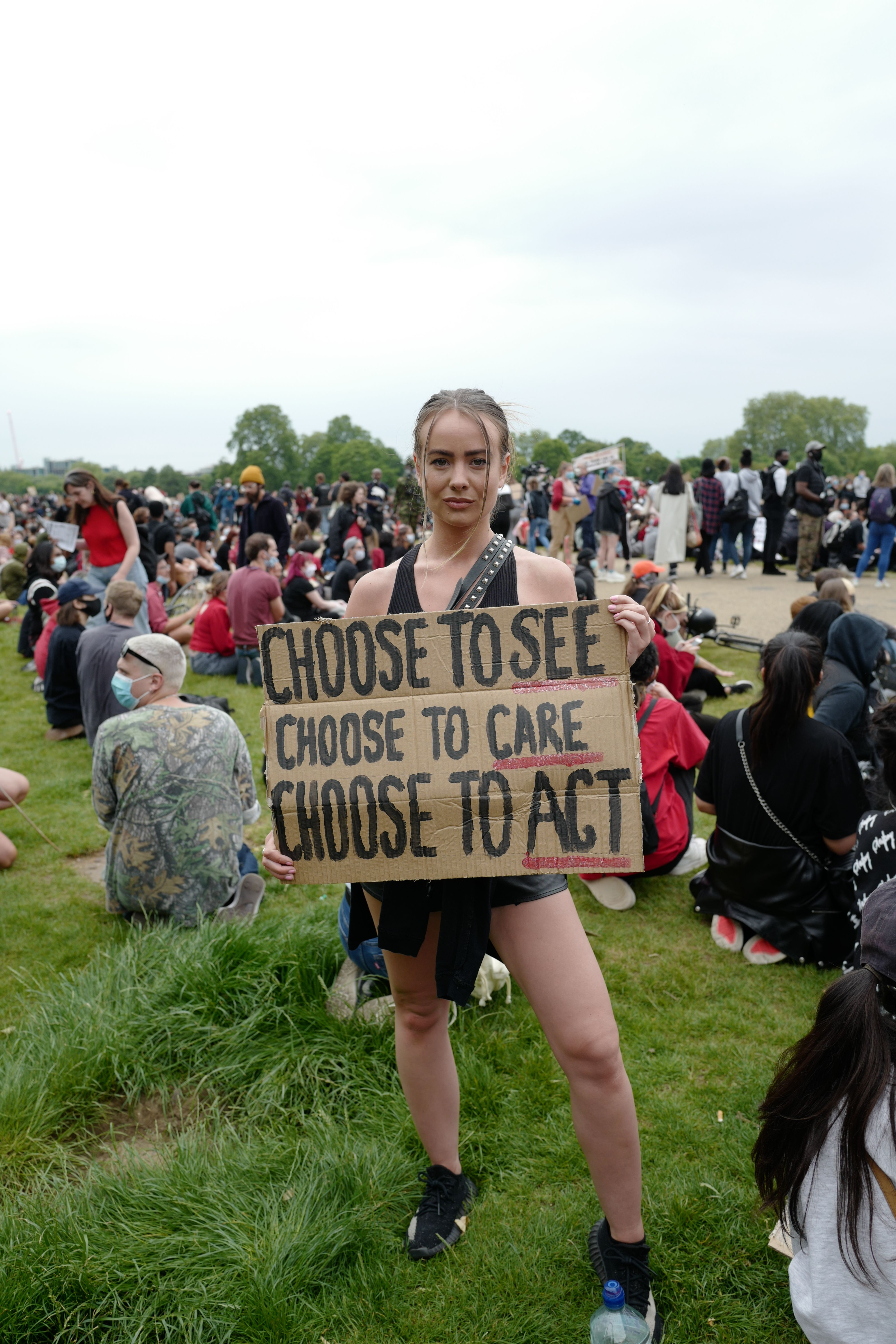 Protesters in Hyde Park during a 'Justice for Black Lives' demonstration. Protests have taken place across the United States and in cities around the world in response to the killing of George Floyd by police officers in Minneapolis on 25 May.Black Lives Matter protest, Hyde Park, London, UK - 03 Jun 2020
