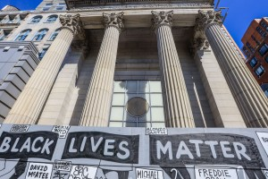 Mural against Racism and with phrases Black Lives Matter in New York in the United States. The protests across the country were motivated after the death of George Floyd on 25 May, after being asphyxiated for 8 minutes and 46 seconds by white police officer Derek Chauvin in Minneapolis, Minnesota.Black Lives Matter mural protest, New York, USA - 16 Jun 2020