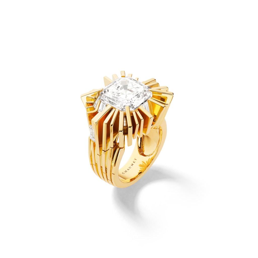 Chaumet's Asscher ring.