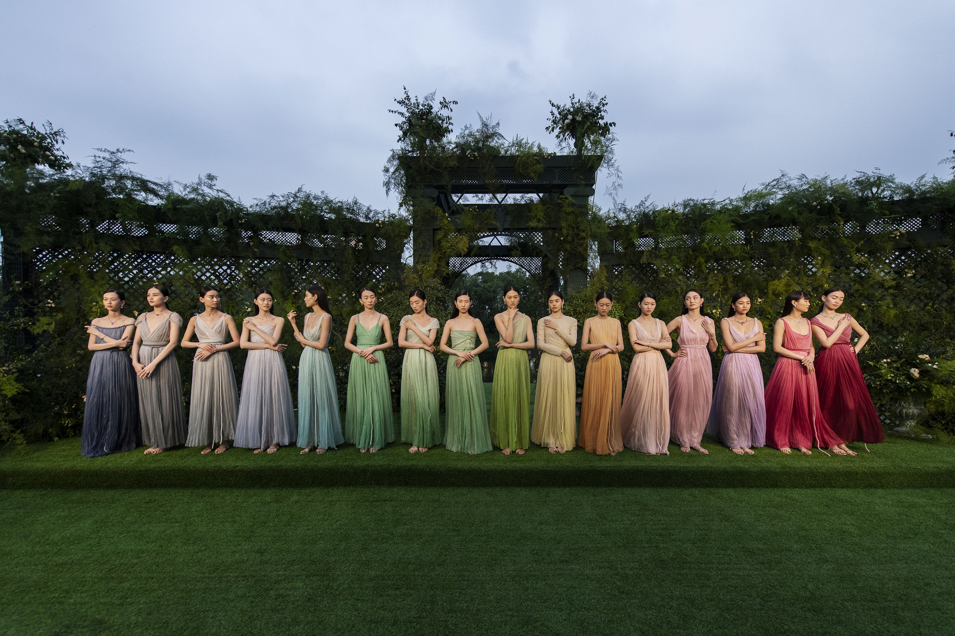 Dior presented 16 new Couture looks at the presentation.