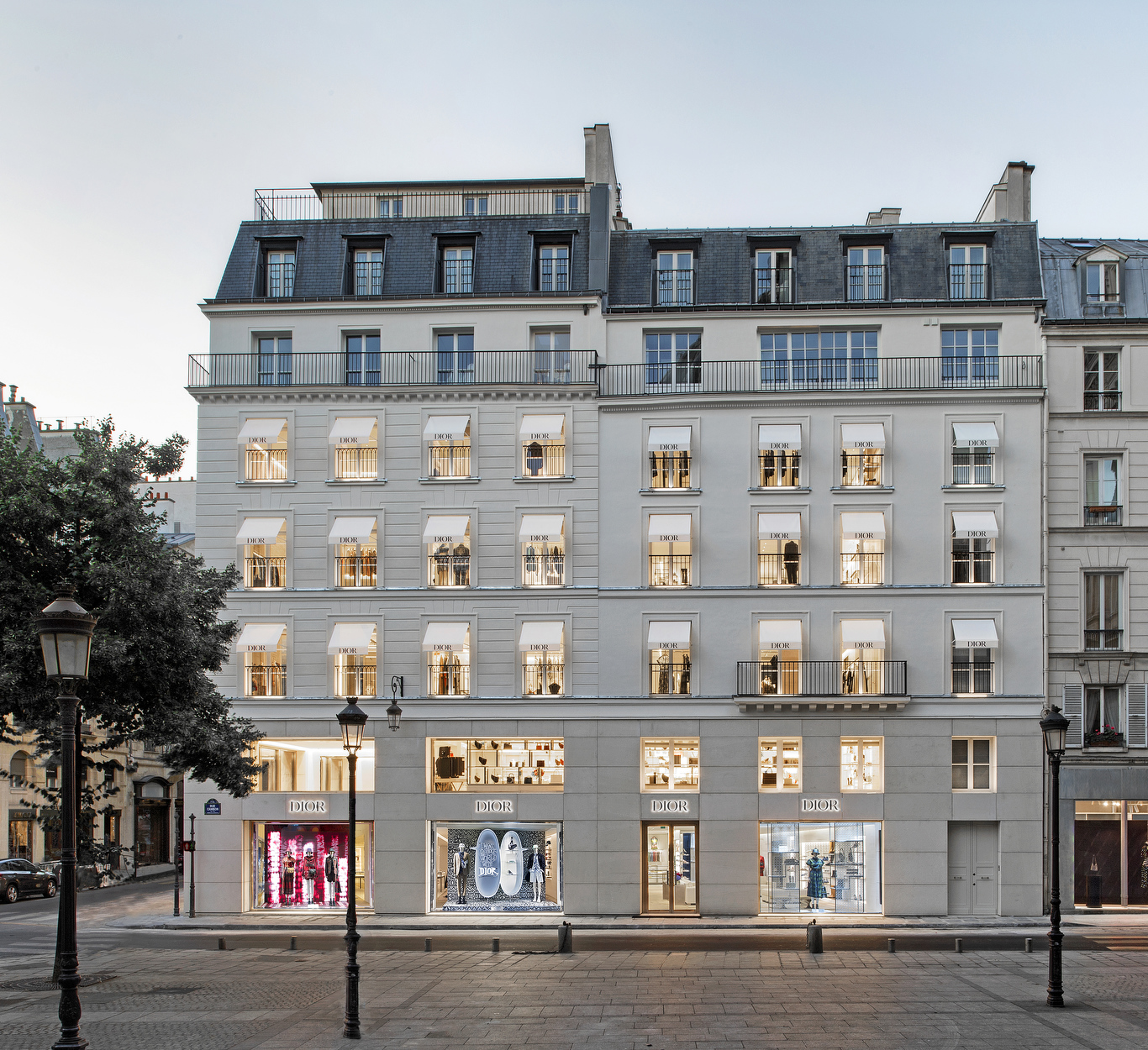 The exterior of the new Dior boutique on Rue Saint-Honoré in Paris