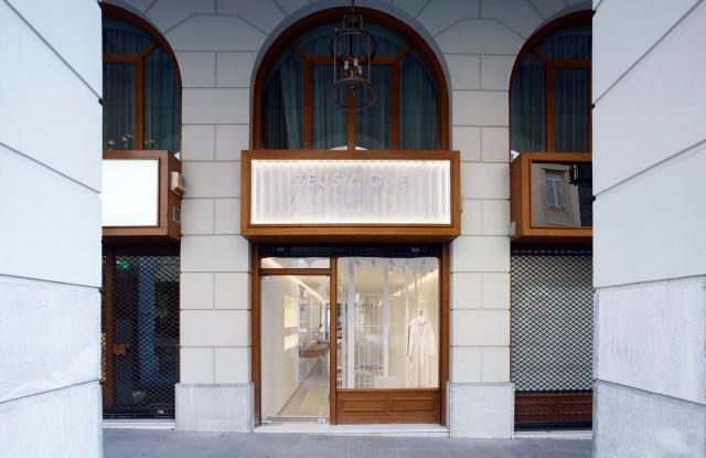Zeus+Δione Flagship store