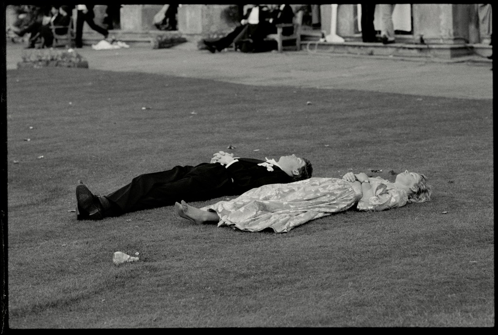 Magdalen Comem Ball. Oxford, 24 June 1988. Film 88578f27© Copyright Photograph by Dafydd Jones66 Stockwell Park Rd. London SW9 0DATel 0171 733 0108
