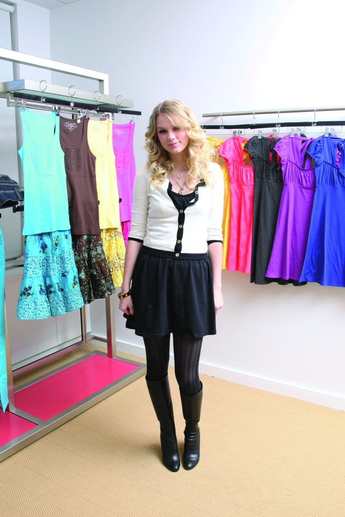 Country singer Taylor Swifts new dress line for L.E.I, 2009.
