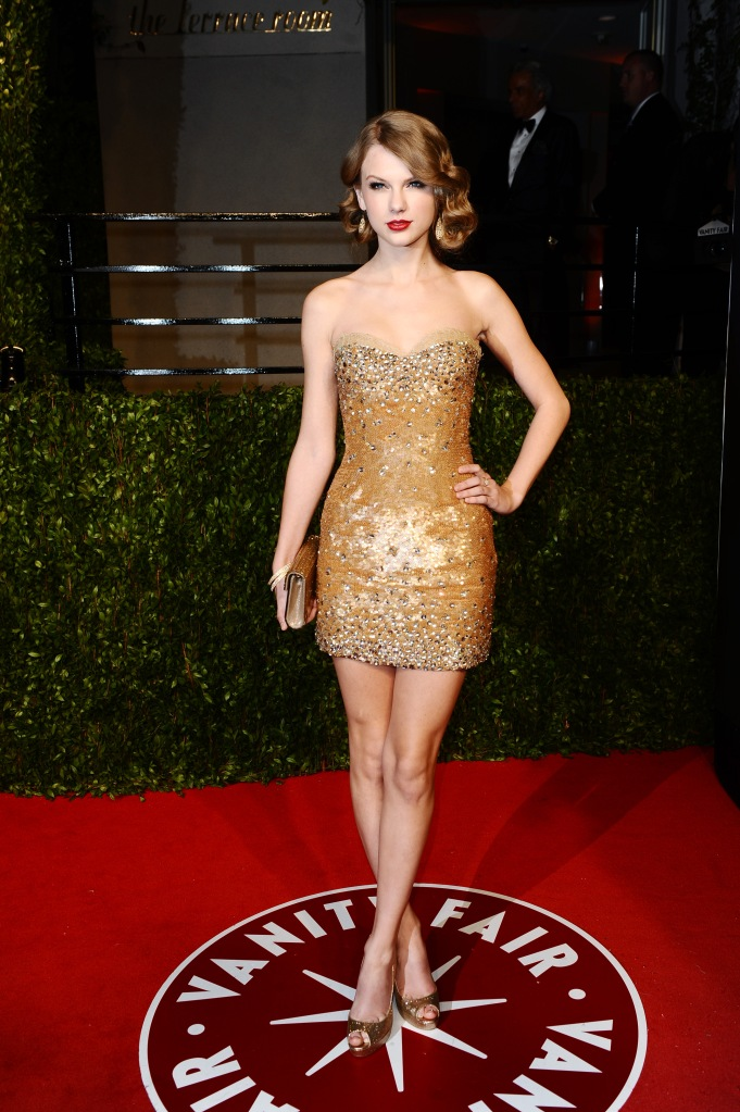 Taylor Swift attends Vanity Fair's 17th annual Oscars party at the Sunset Tower Hotel.