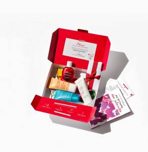 A Clarins Unlimited box