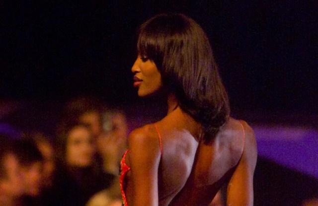 Naomi Campbell on the runway at the Julien MacDonald Fall 2000 show.
