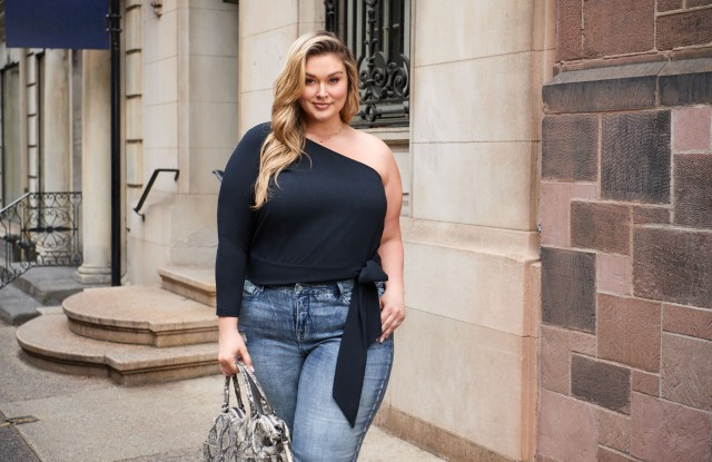 """Hunter McGrady in a look from QVC's """"All Worthy Hunter McGrady"""" collection."""
