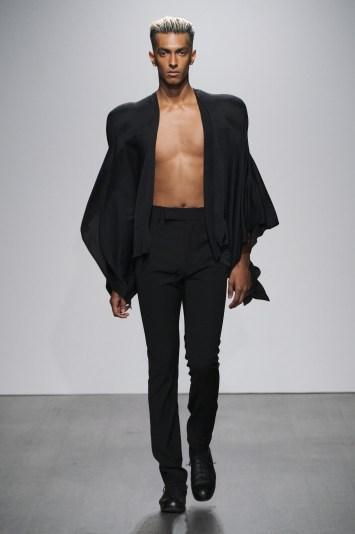 Kaushik-Velendra-SS21-Menswear-Collection-Look-01-Credit-Ph-Daniel-Sims
