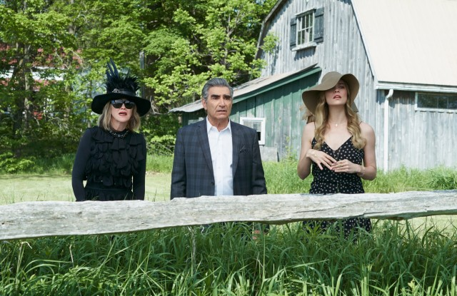 SCHITT'S CREEK, from left: Catherine O'Hara, Eugene Levy, Annie Murphy, 'Finding David', (Season 2, ep. 201, originally aired Jan. 12, 2016). photo: ©CBC / courtesy Everett Collection