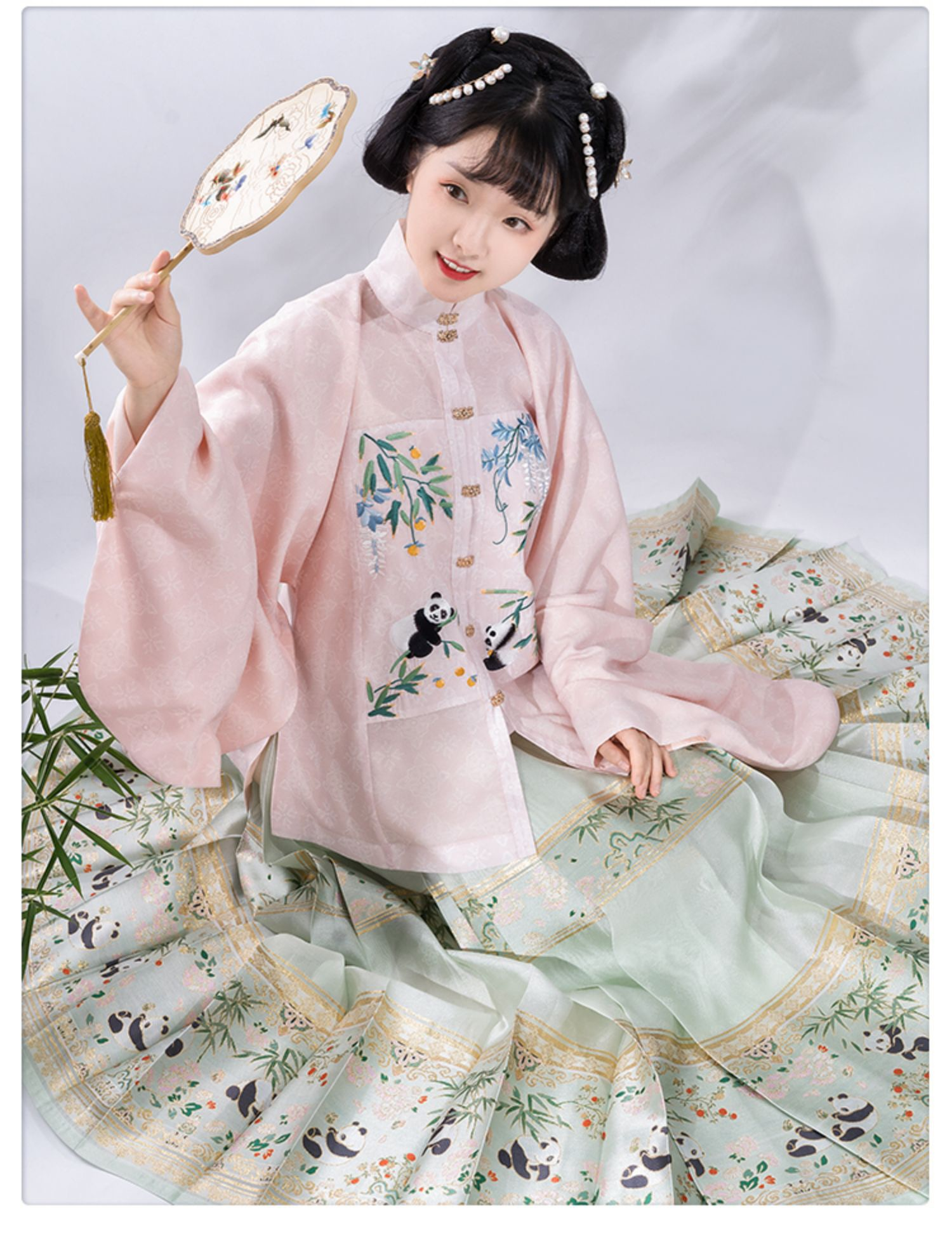 Ming style Hanfu by Chonghui Hantang