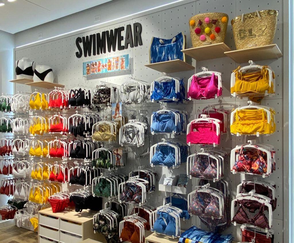Intimissimi and Calzedonia stores California