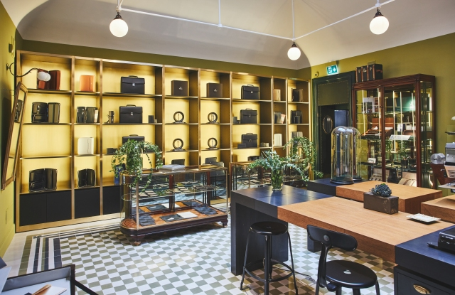 Pineider new flagship in Milan