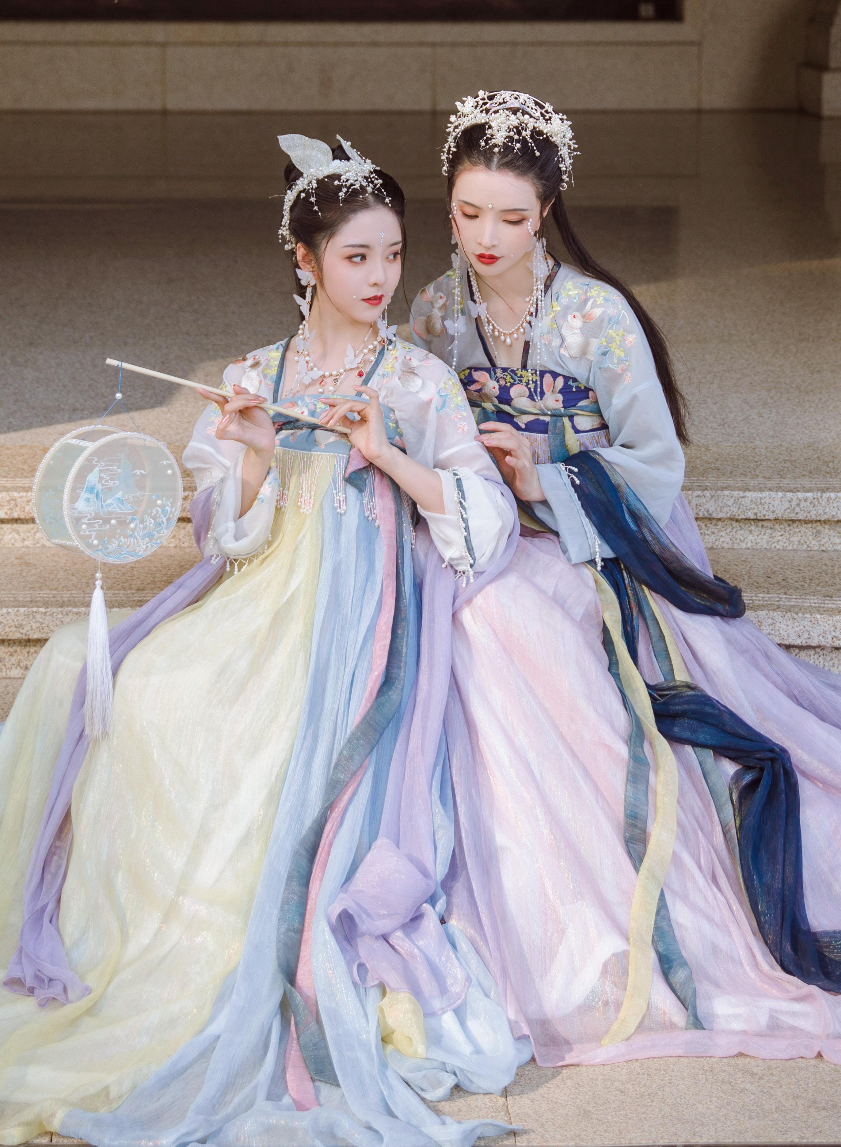 Tang style Hanfu by Sinange
