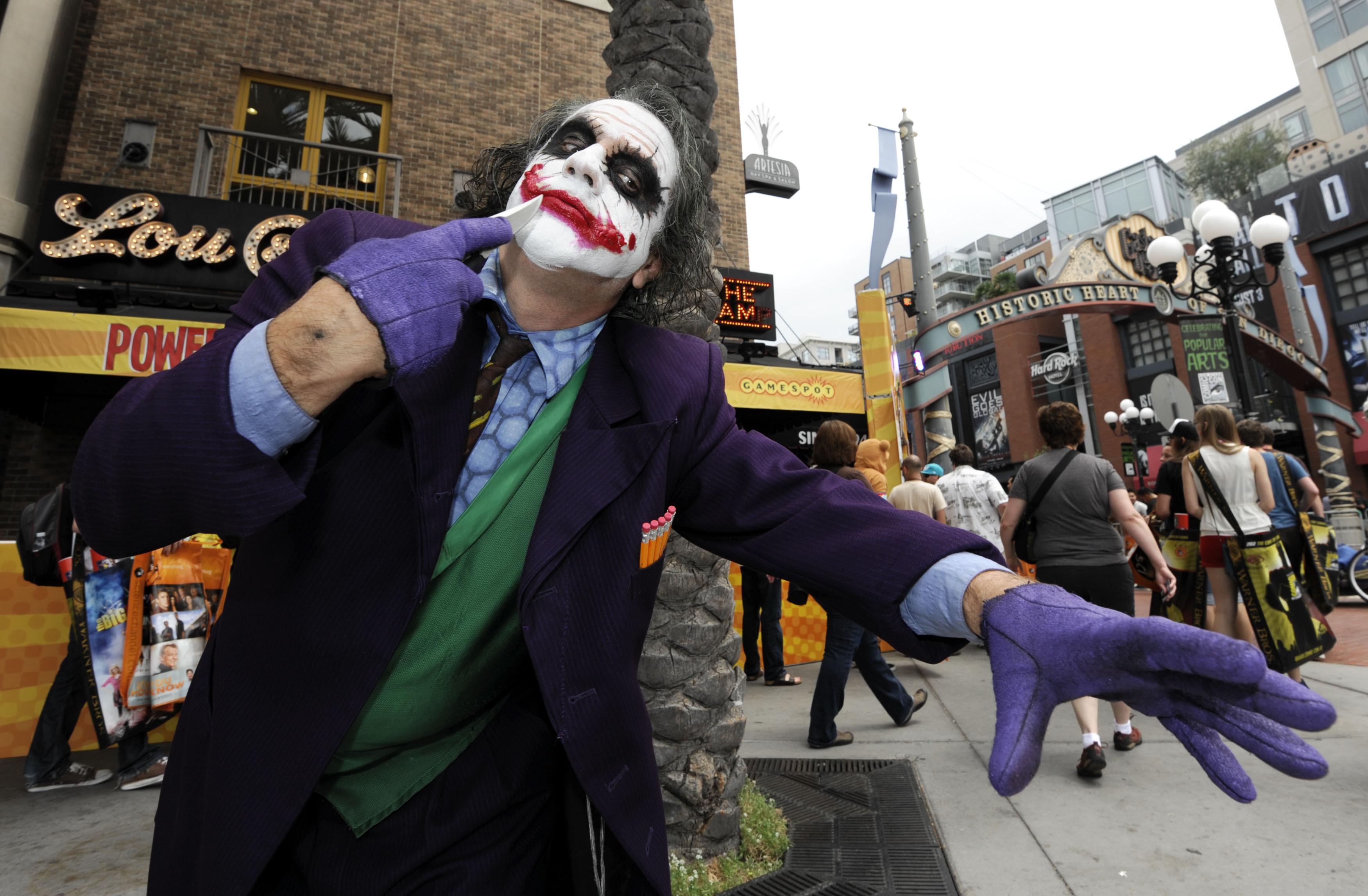 Halloween 2020 Makeup Ideas: Clowns, Euphoria, Harley Quinn