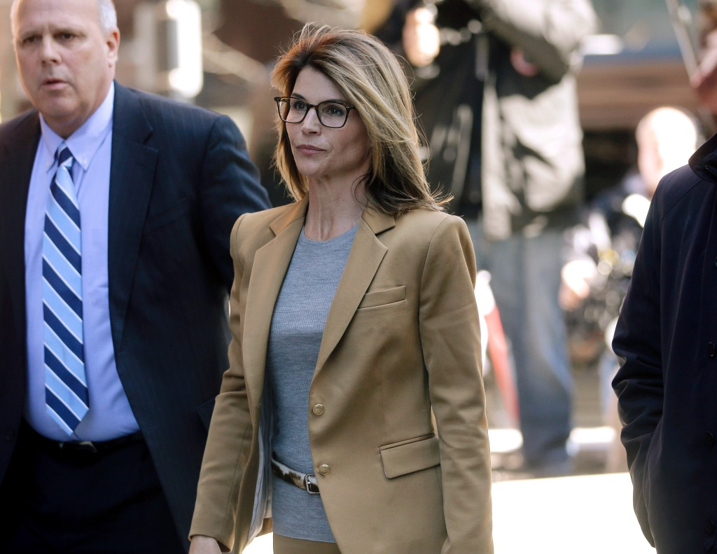 Lori Loughlin Begins Prison Sentence in College Admissions Scandal
