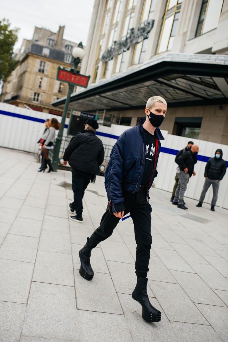 Street Style at Paris Fashion Week Spring 20 [PHOTOS] – WWD