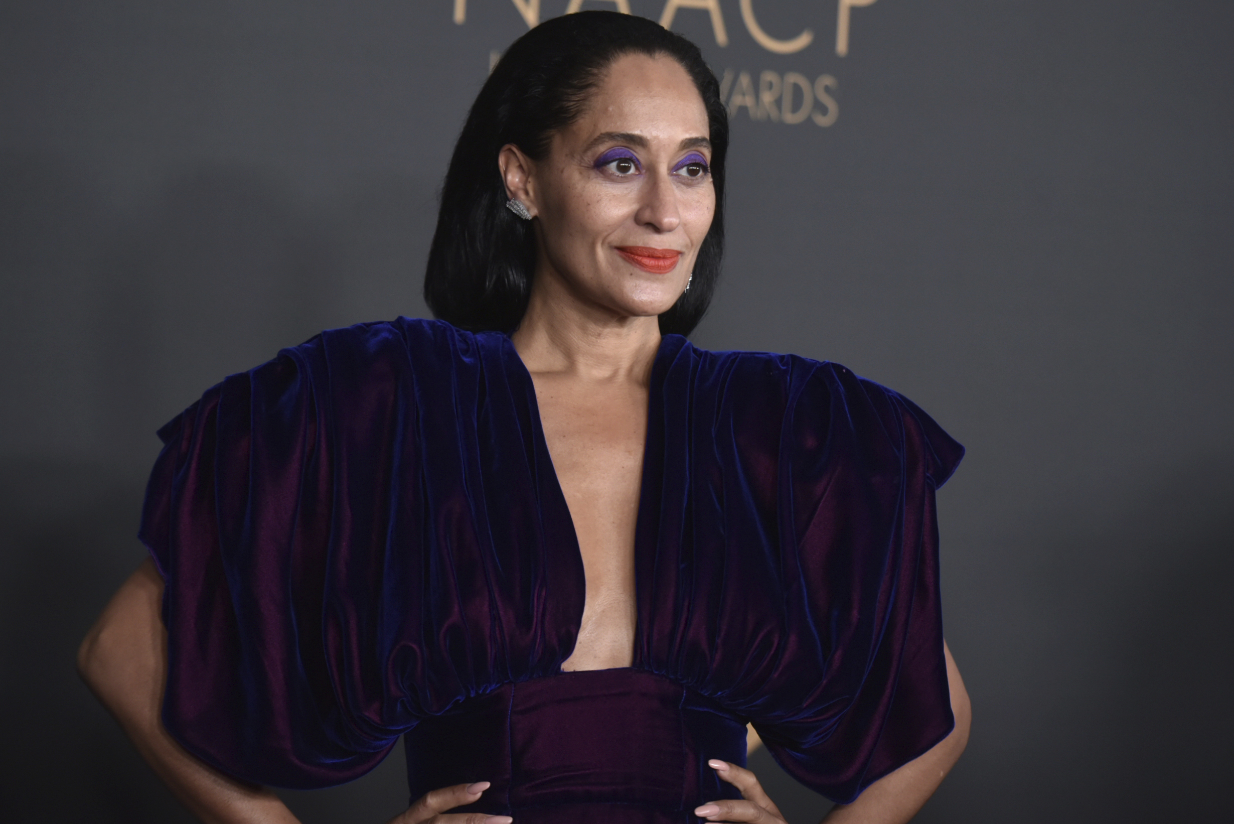 Tracee Ellis Ross to Receive Fashion Icon of 2020 Award