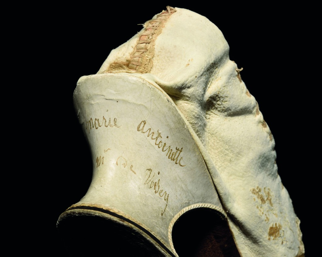Inscription on Marie-Antoinette's shoe