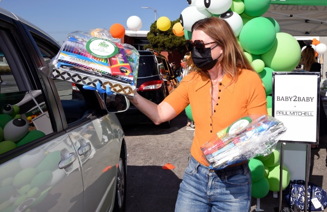 LOS ANGELES, CALIFORNIA - OCTOBER 30: Ellen Pompeo attends Baby2Baby's Halloween Drive-Thru Distribution presented by Paul Mitchell on October 30, 2020 in Los Angeles, California. (Photo by Michael Kovac/Getty Images for Baby2Baby)