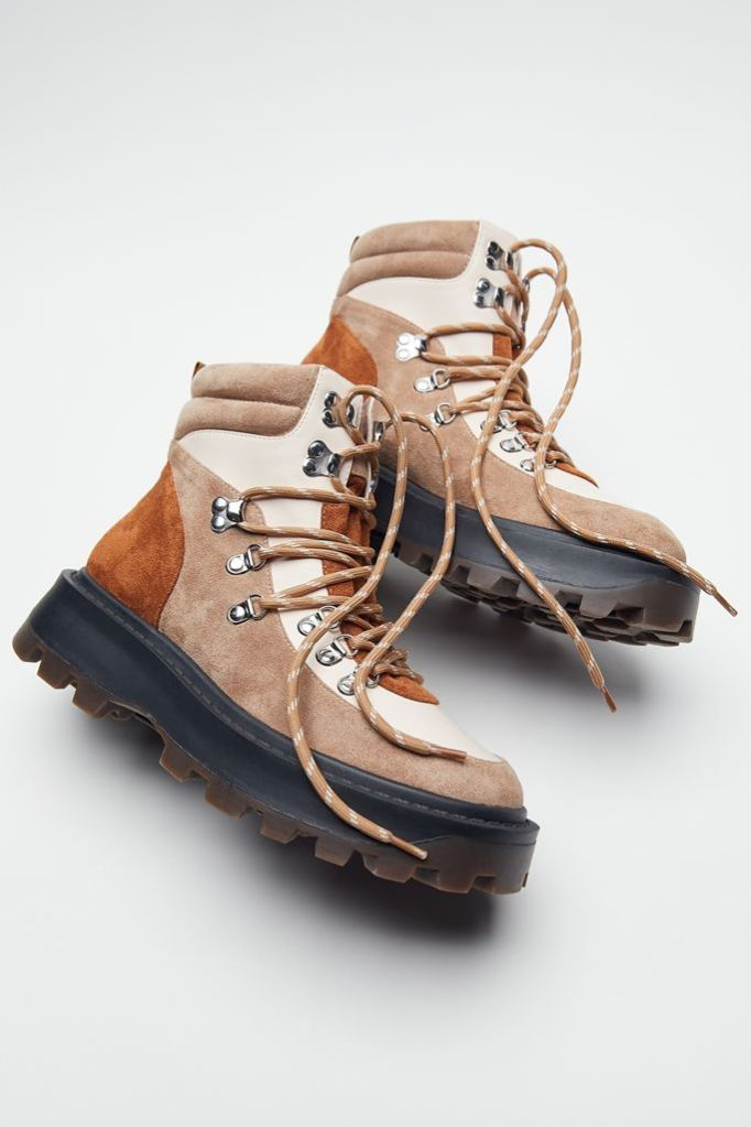 Christmas Gift 2020 Urban Outfitters Hiker Boots