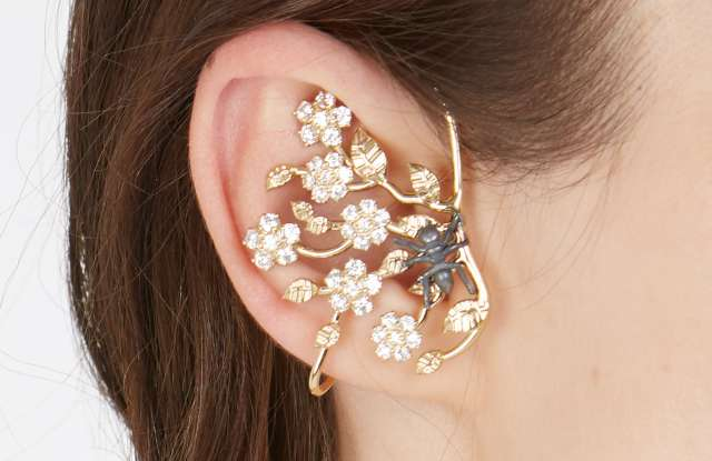 A twig-shaped earring from the Vivetta jewelry collection.