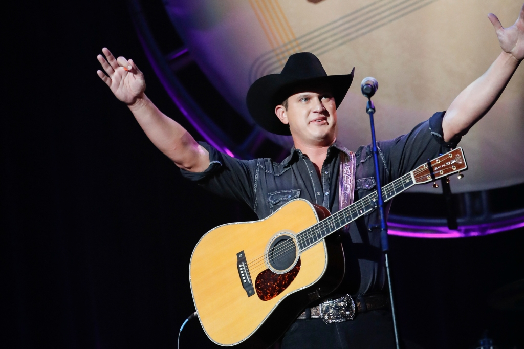 Jon Pardi performs at the 12th Annual ACM Honors.