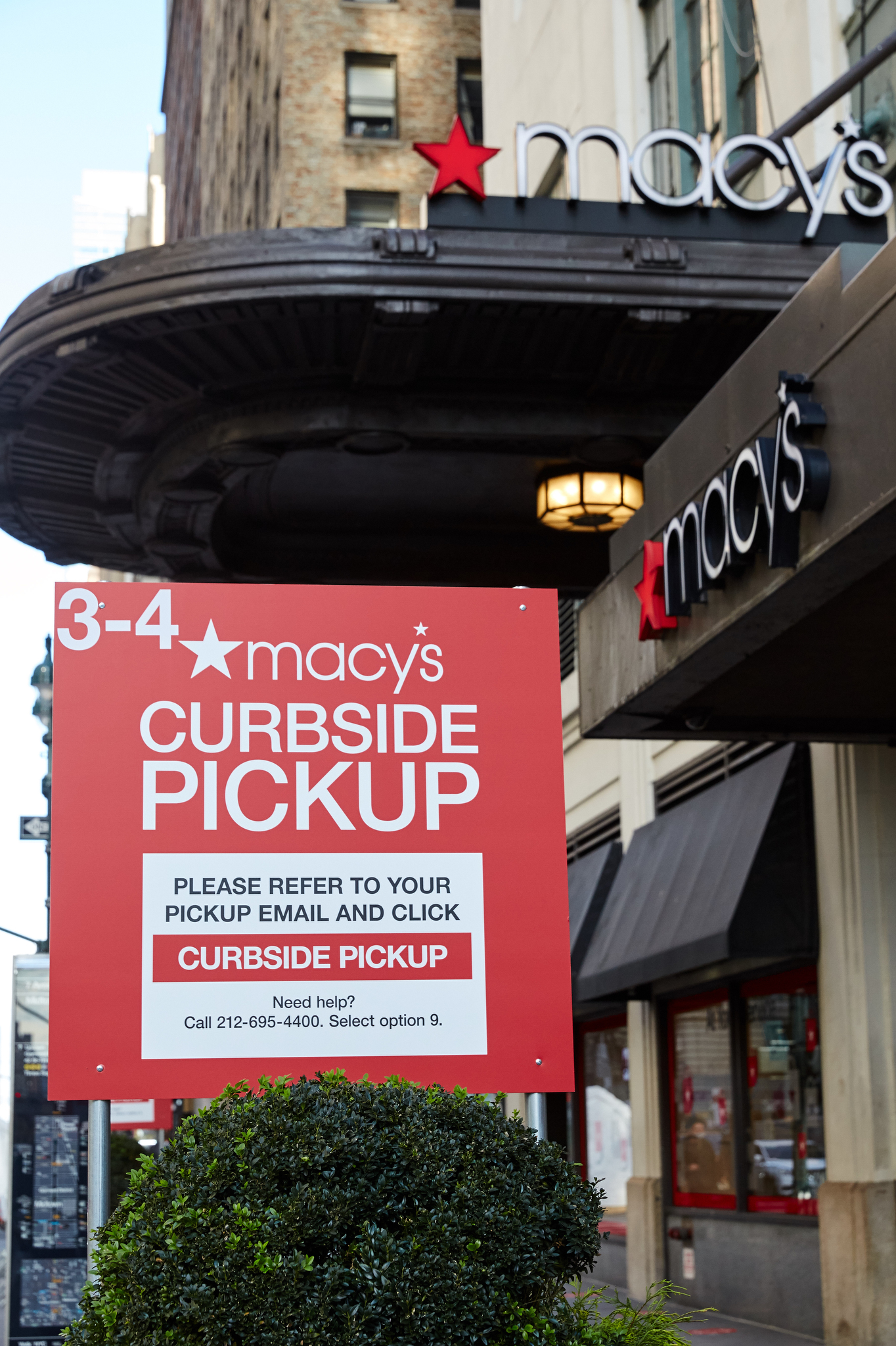 Curbside pickup at Macy's in New York City on Black Friday, 2020.