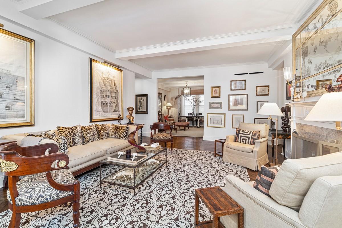 The interior of Nina GriscomÕs Manhattan apartment.