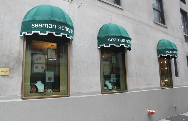 The legacy American jeweler has closed its longest-standing store and will now look to lean more on web sales.