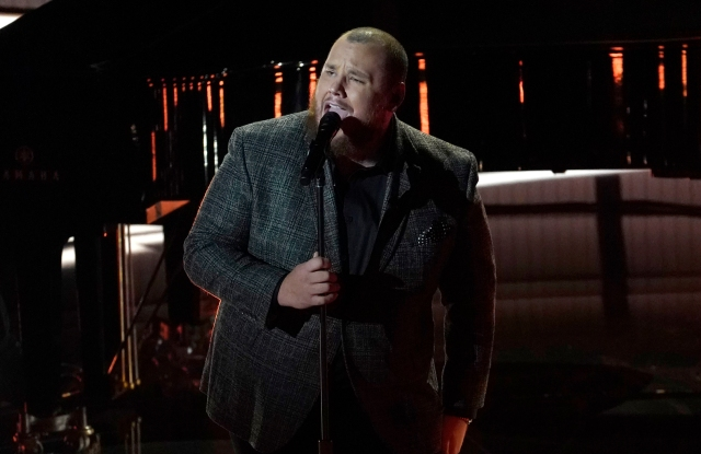 "Luke Combs performs ""Better Together"" at the 2020 Billboard Music Awards."