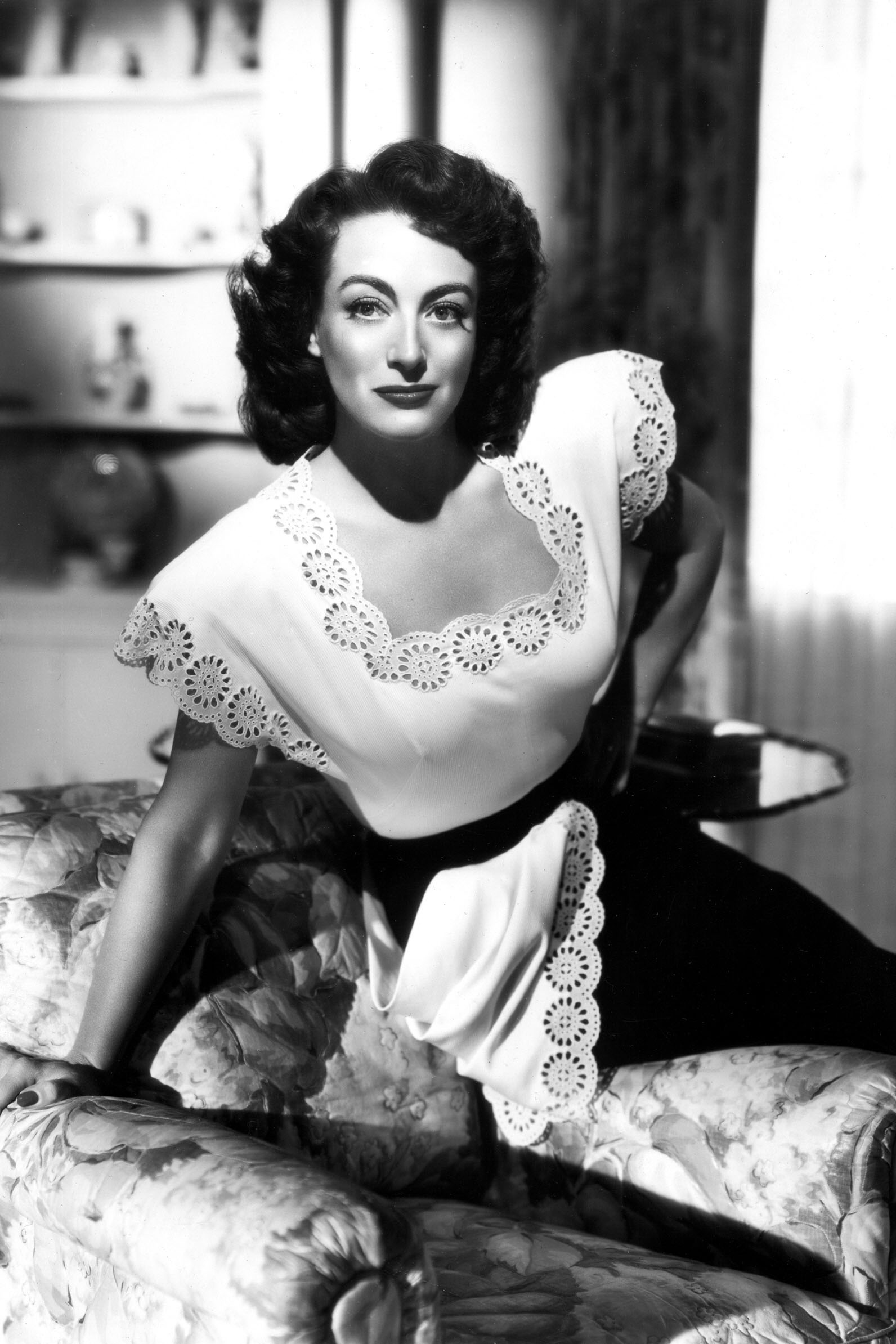 Joan Crawford in 'Mildred Pierce', 1945