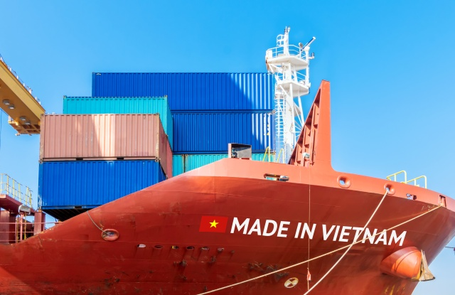 cargo ship says made in vietnam