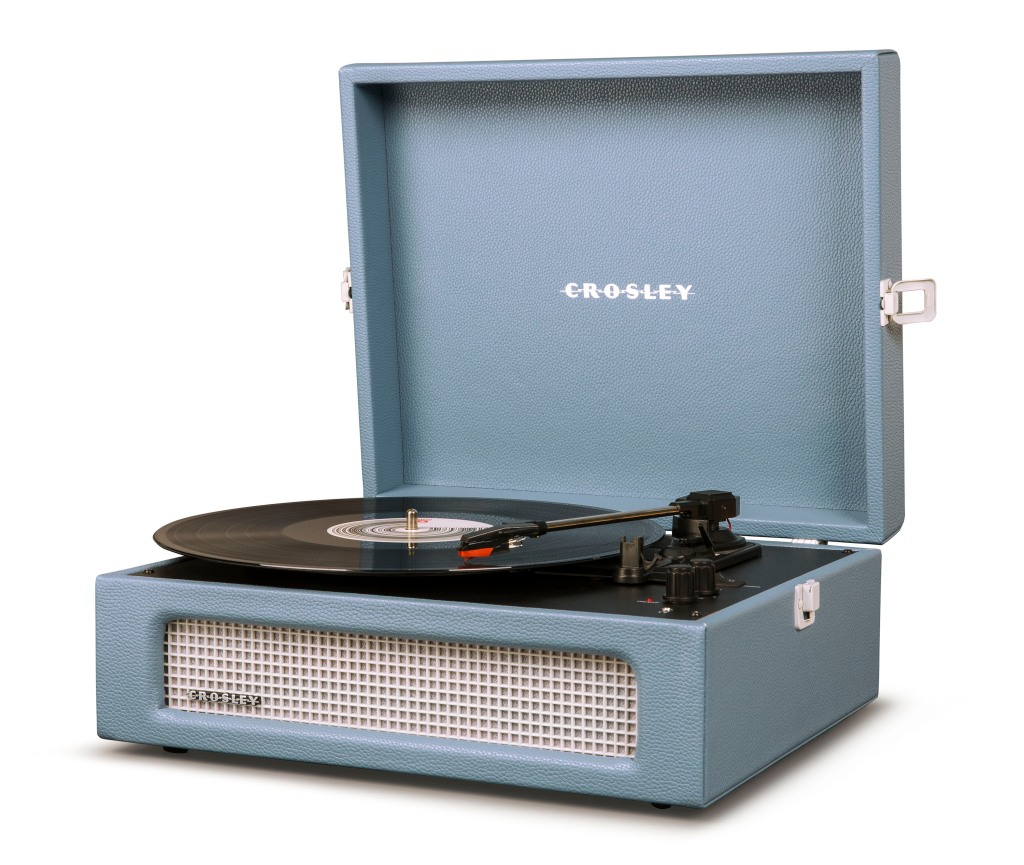 2020 Home Trends Crosley Voyager Turntable