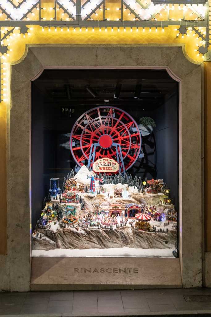 Rinascente Roma Tritone's Christmas windows developed in partnership with Lemax.