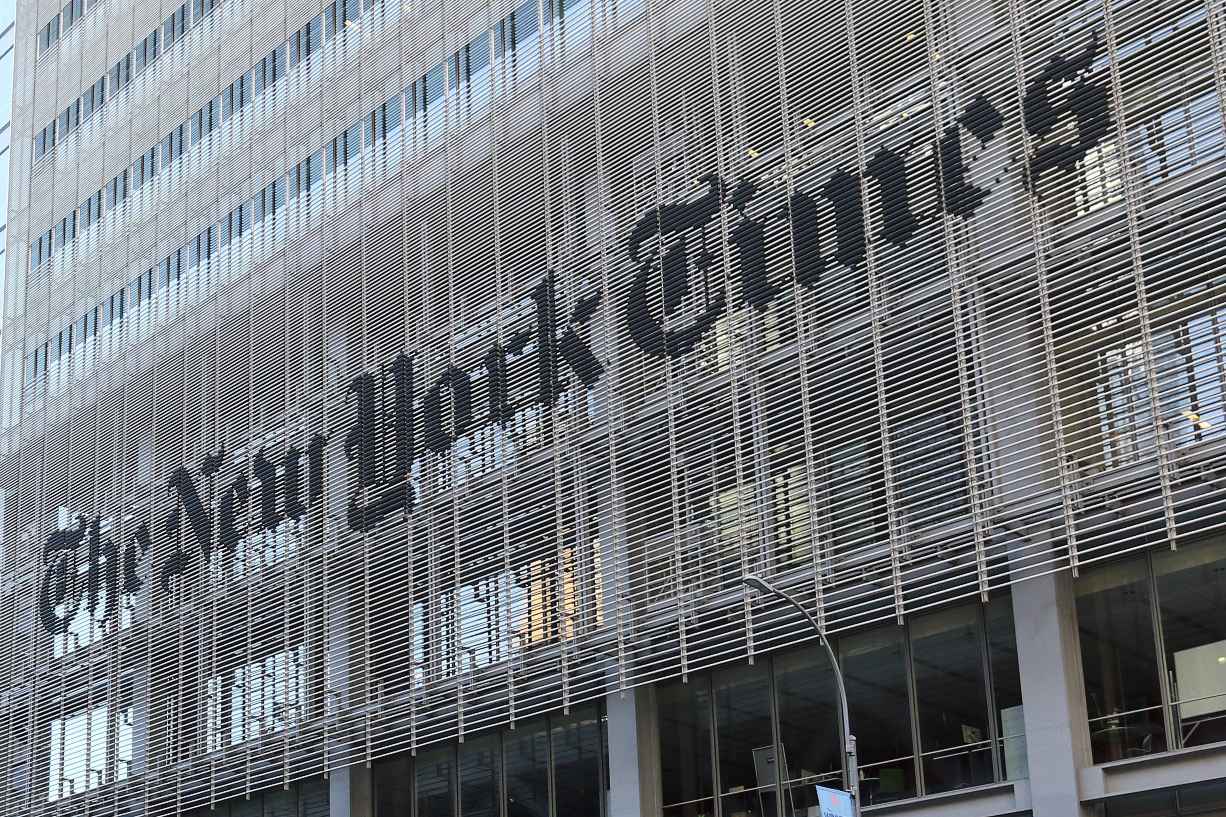 New York, USA October 2019: Impressions New York - October - 2019 The newspaper building of the New York Times, in New York, lettering, | usage worldwide Photo by: Fotostand / Freitag/picture-alliance/dpa/AP Images