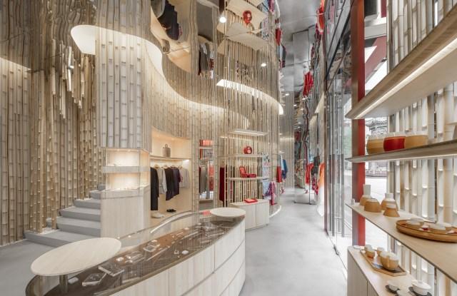 Shang Xia store designed by Kengo Kuma.