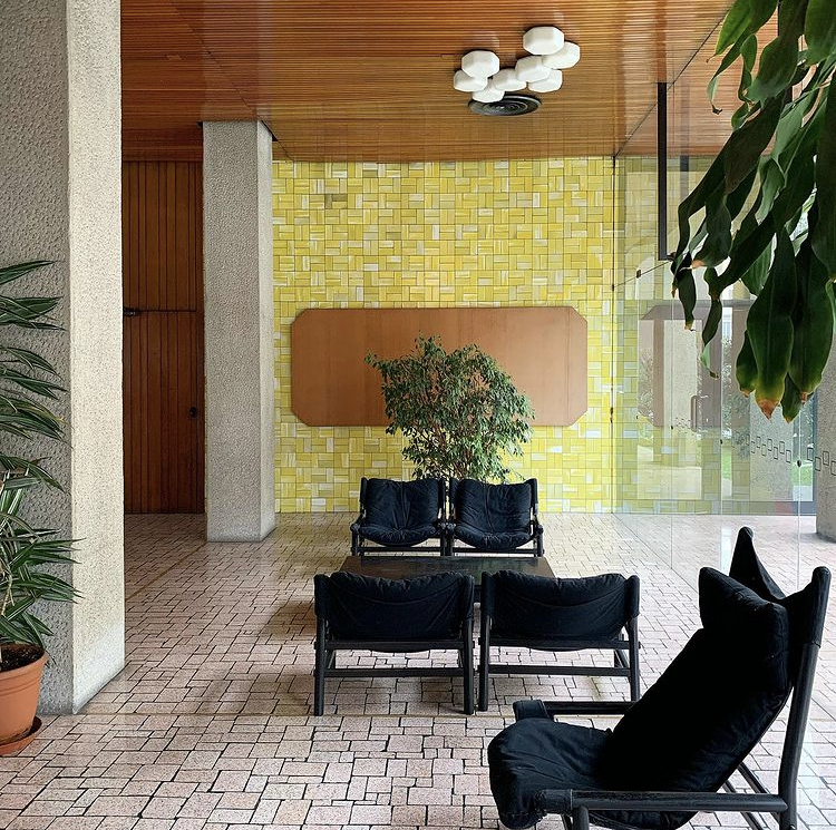 A Milanese interior featured on the @CristinaCelestino Instagram account.