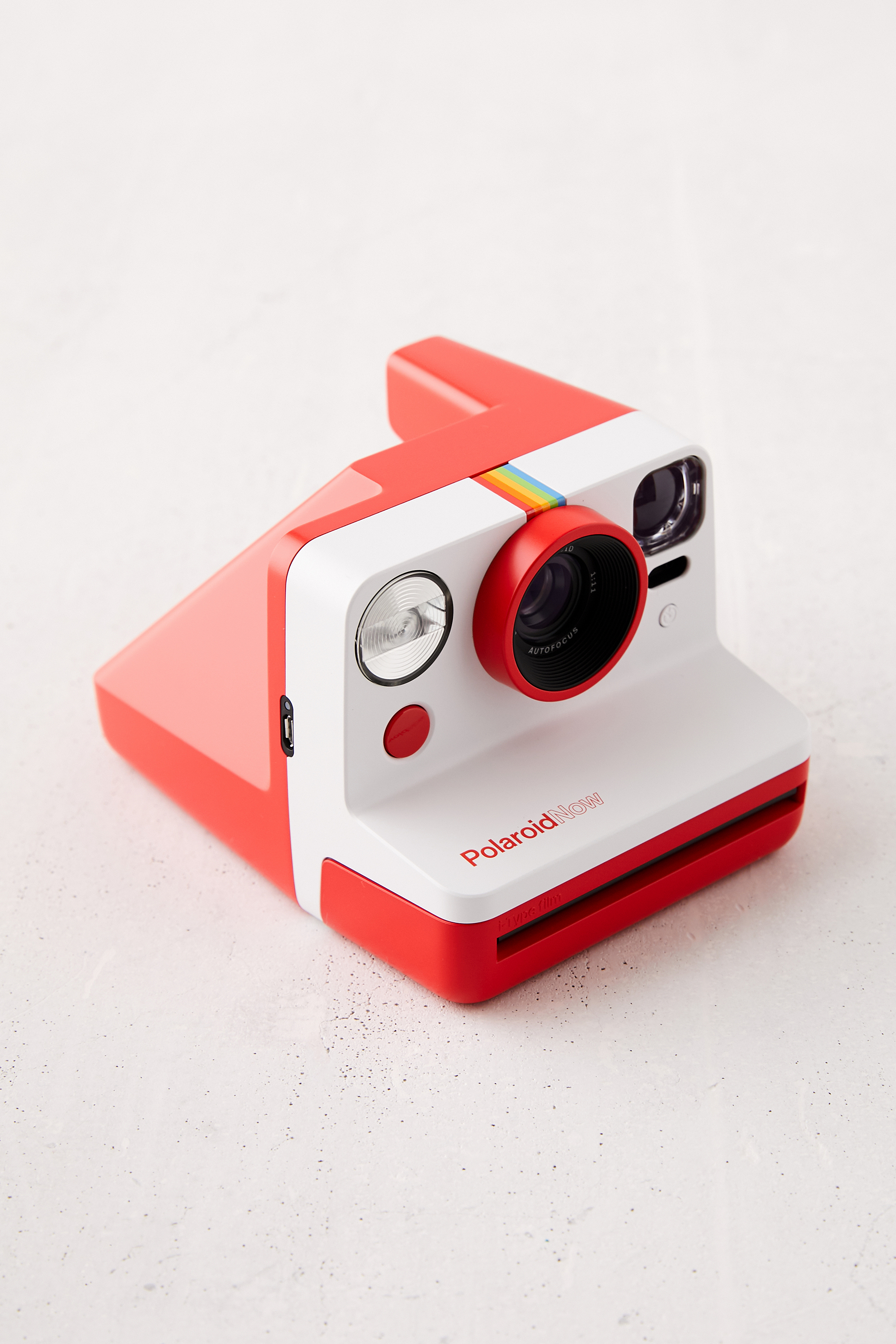 """25 Unexpected Ways To Say """"I Love You"""" this Valentine's Day, Polaroid Now Instant Camera"""